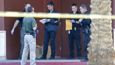 At least 3 people wounded in shooting at Ariz. mall