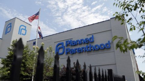 Senate Democrats call on SBA to allow Planned Parenthood to keep PPP loans