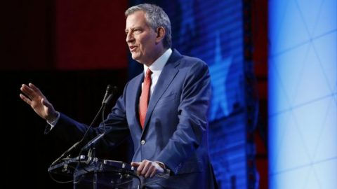 Mayor Bill de Blasio extends curfew in New York City amid ongoing looting