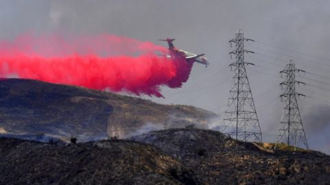 Red flag warnings issued for 4 western states