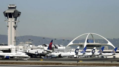 LAX using thermal cameras for temperature checks