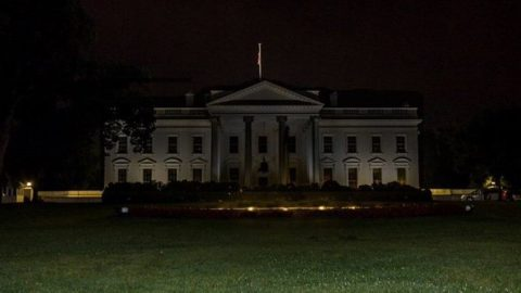 Fake Photo Circulated Of 'Dark' White House Is Actually From 2015