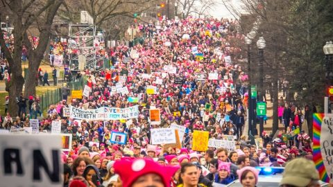 Mass Text Sent From Women's March Says Trump Encourages Police to 'Beat & Kill' Protestors
