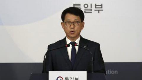 South Korea urges North Korea not to send propaganda leaflets amid tensions