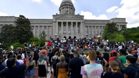 Louisville City Council launches probe into mayor's handling of Breonna Taylor's death