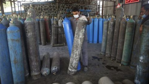 Factory in Afghanistan reopens to provide COVID-19 patients with free oxygen