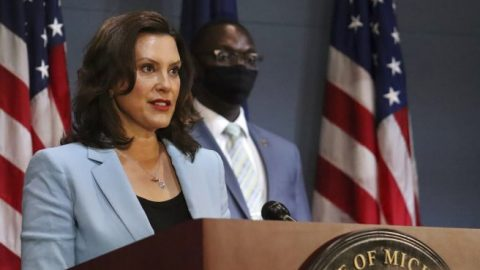 Mich. Gov. Whitmer signs order requiring residents to wear face masks