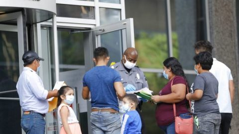 Despite Supreme Court ruling, new DACA applications marked as 'pending'
